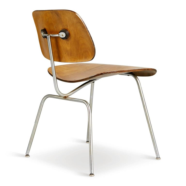 Molded Evans Production Walnut DCM Chairs by Charles Eames, Set of Five, circa 1947 For Sale