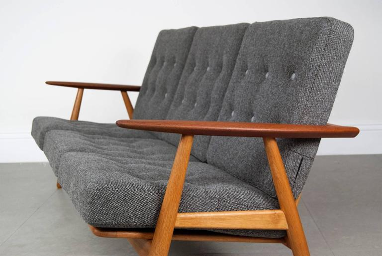 Hans Wegner GE 240 U0027Cigaru0027 Sofa In Oak And ...