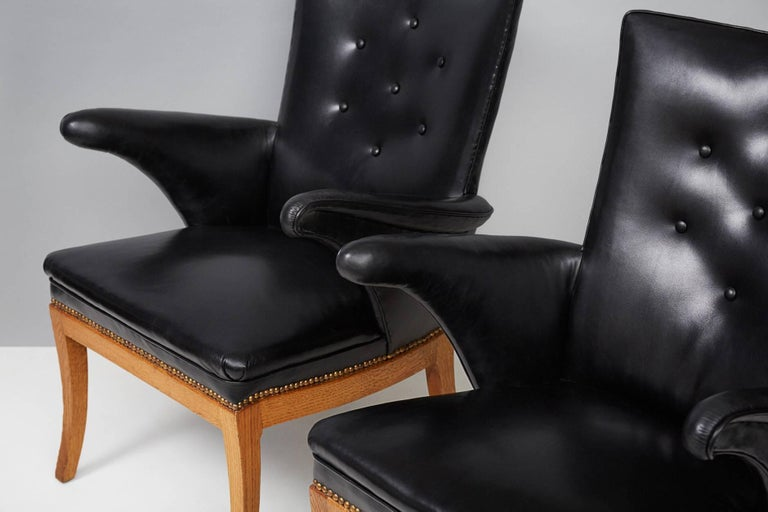 Mid-20th Century Frits Henningsen Armchairs, Oak and Leather For Sale