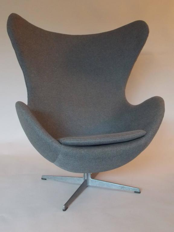 original vintage arne jacobsen egg chair for fritz hansen denmark at 1stdibs. Black Bedroom Furniture Sets. Home Design Ideas