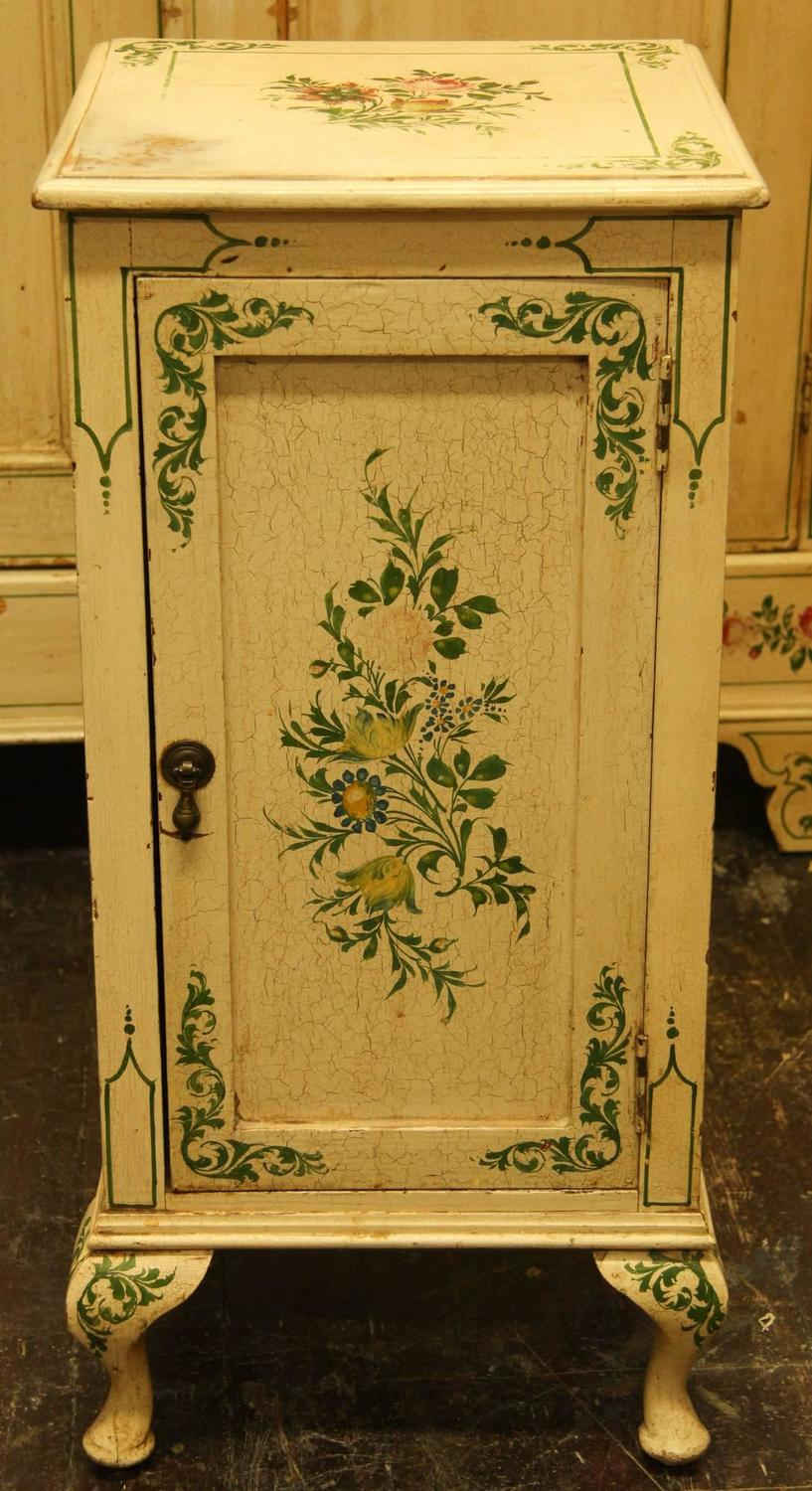 Victorian Painted Bedroom Suite For Sale At 1stdibs
