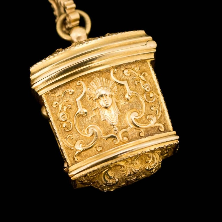 Antique 18thC Georgian 18-K Gold Chatelaine Etui Christopher Nicholle, c. 1750 For Sale 4