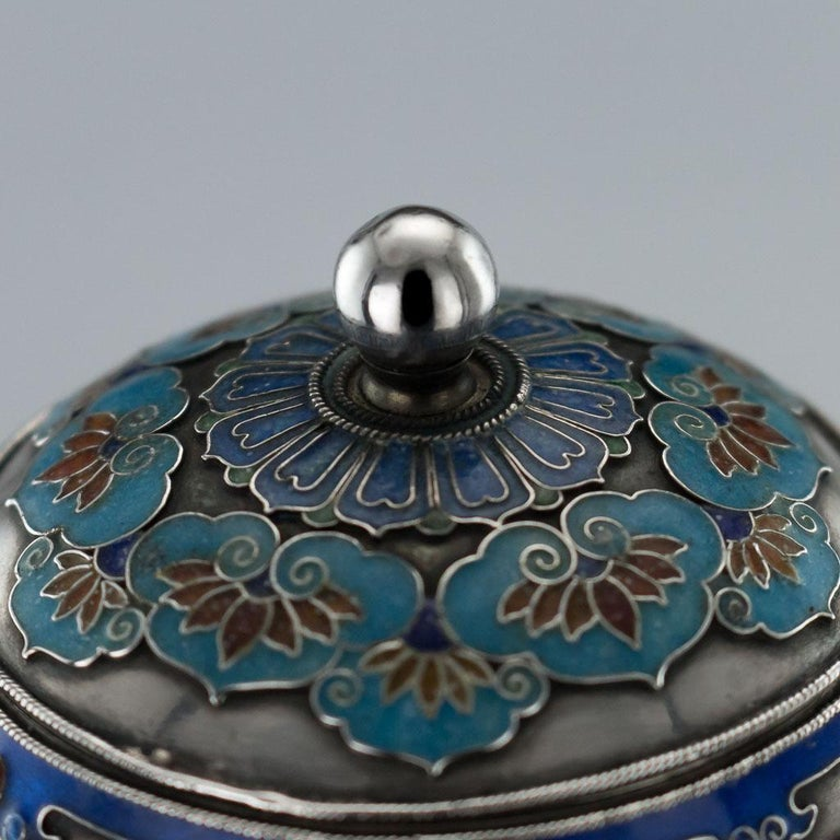 19th Century Rare Chinese Export Solid Silver and Enamel Pot, circa 1880 For Sale 5