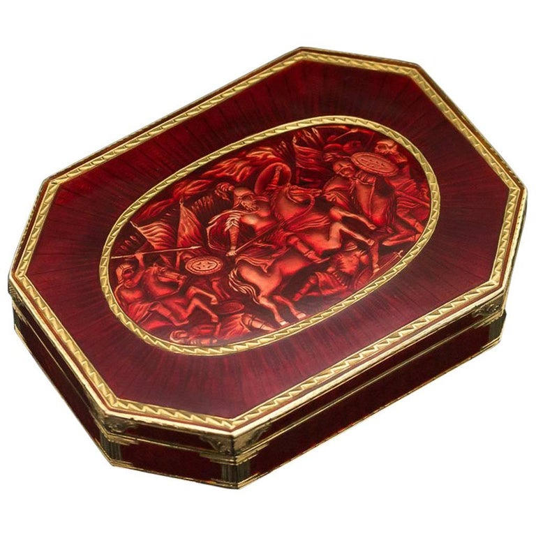 Antique 19th Century Rare Indian Enameled Gold Snuff Box Jaipur, circa 1840