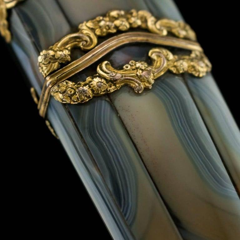 Antique 18th Century Georgian 18-Karat Gold Agate Etui, London, circa 1760 For Sale 1