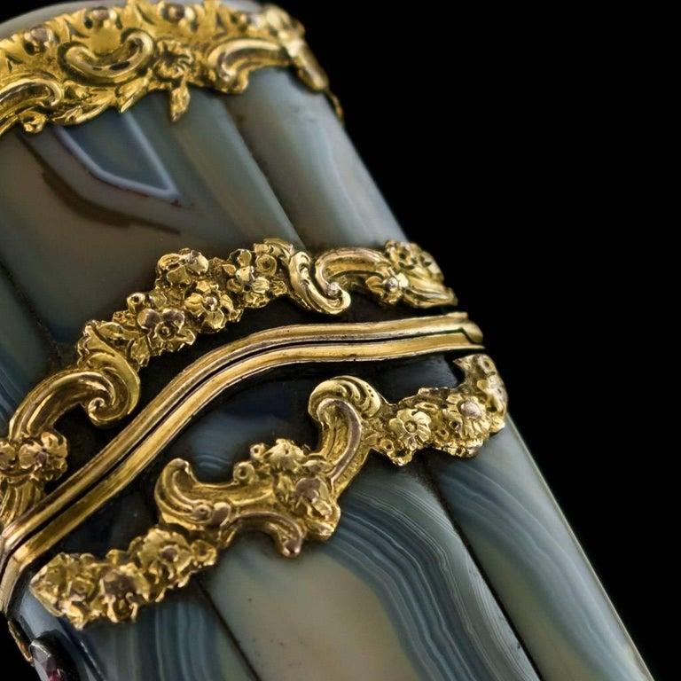 Antique 18th Century Georgian 18-Karat Gold Agate Etui, London, circa 1760 For Sale 2
