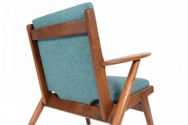 20th Century Paddle Arm Lounge Chair in Stained Oak For Sale