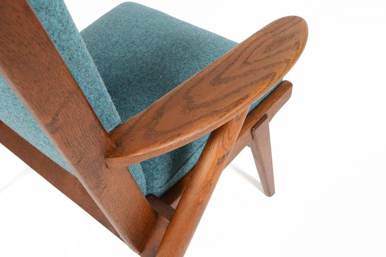 Paddle Arm Lounge Chair in Stained Oak For Sale 1
