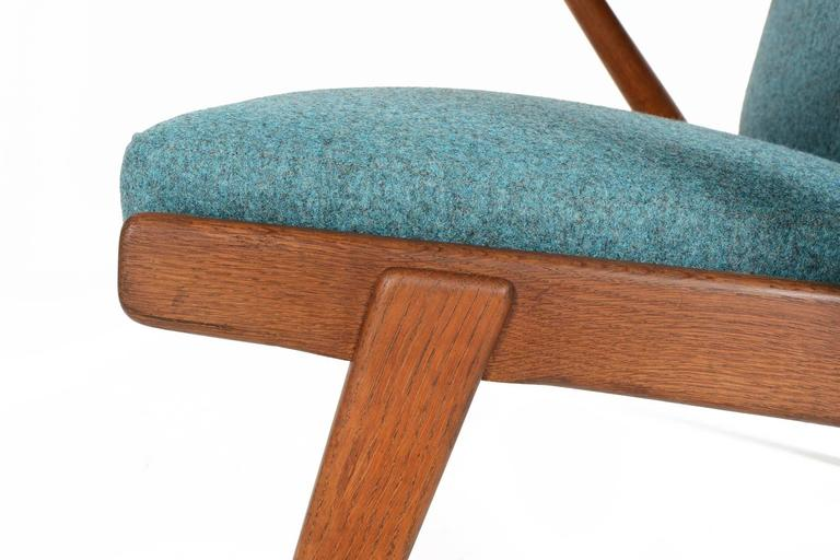 Paddle Arm Lounge Chair in Stained Oak For Sale 3