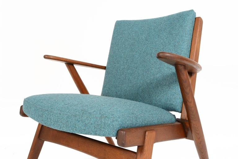 Paddle Arm Lounge Chair in Stained Oak For Sale 2