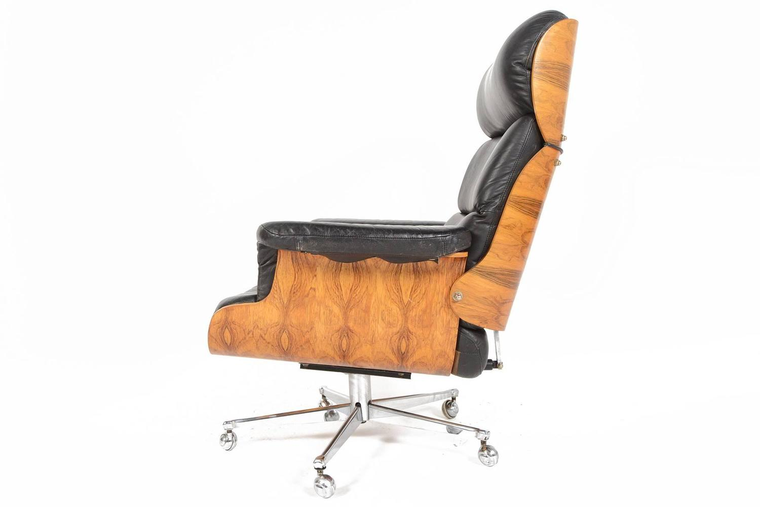 Magnetic Catches For Kitchen Cabinets Leather Swivel Chair And Ottoman Martin Stoll Rosewood