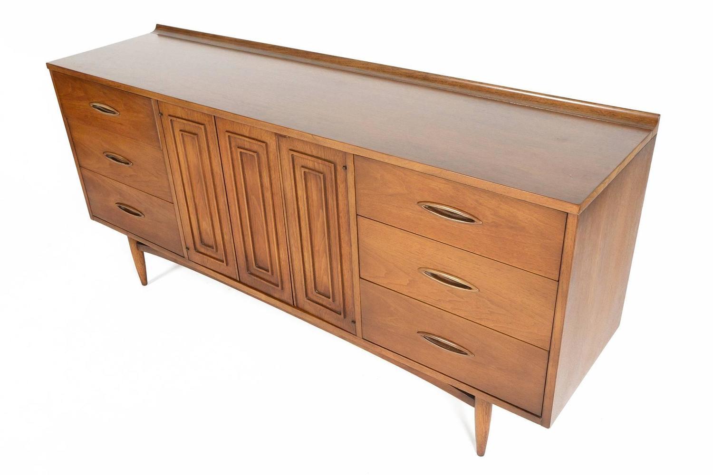 broyhill sculptra nine drawer walnut dresser at 1stdibs