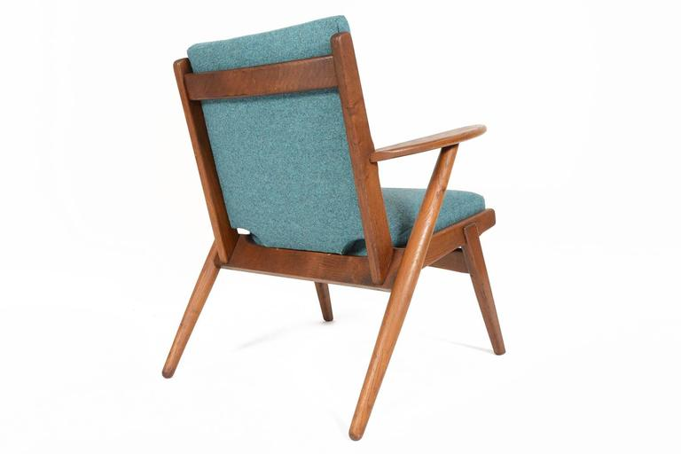 Paddle Arm Lounge Chair in Stained Oak For Sale 4