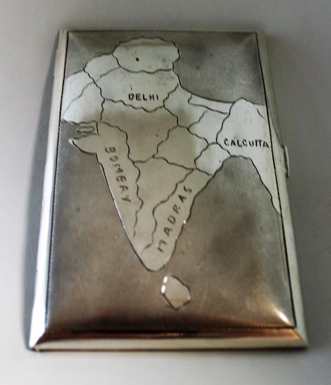Silver cigarette case of Taj Mahal.