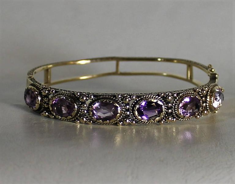 Ladies 14-Carat Gold and Amethyst Bracelet In Good Condition For Sale In Hamilton, Ontario