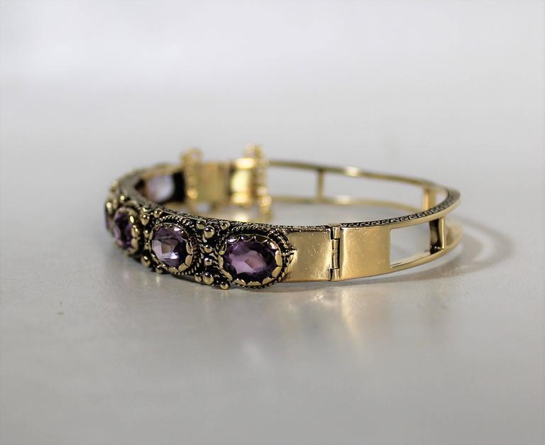 14k Gold Ladies 14-Carat Gold and Amethyst Bracelet For Sale