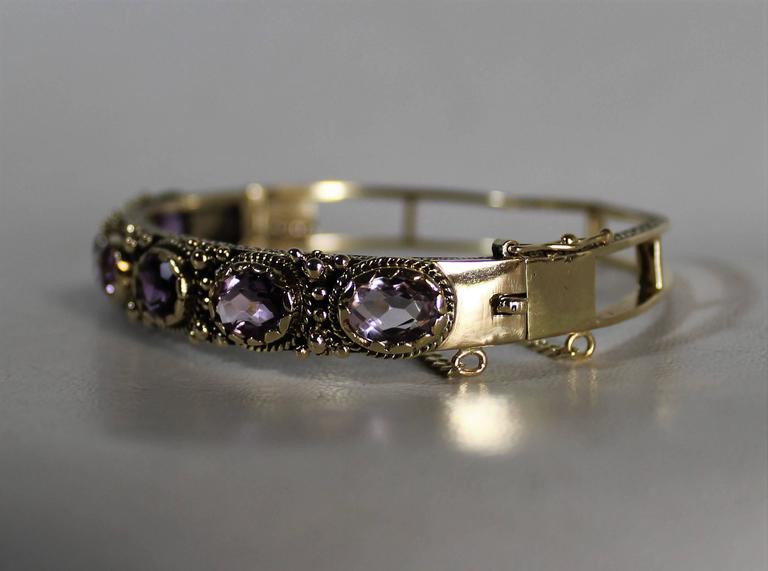 Ladies 14-Carat Gold and Amethyst Bracelet For Sale 2