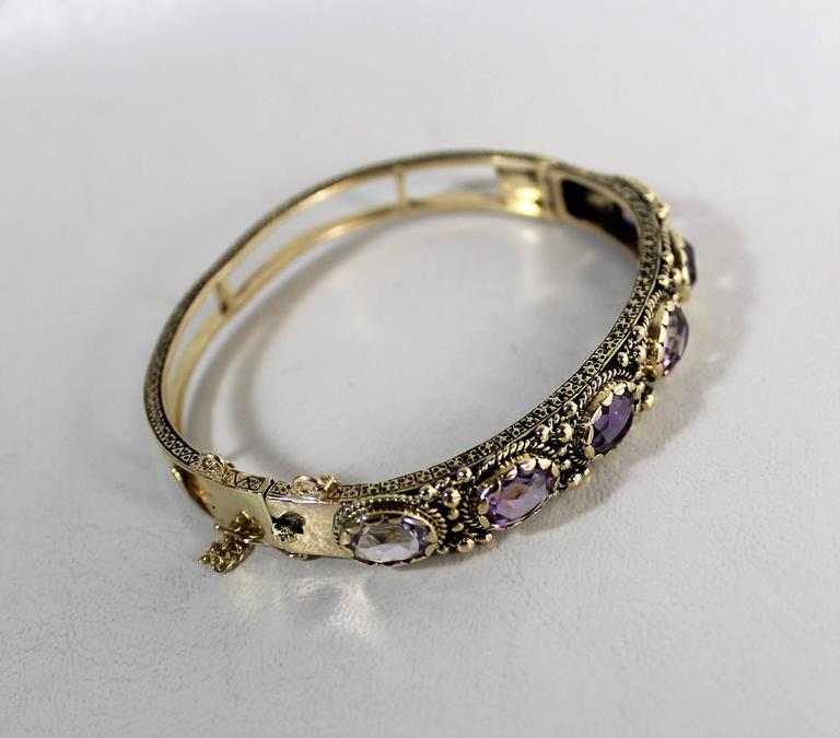 20th Century Ladies 14-Carat Gold and Amethyst Bracelet For Sale