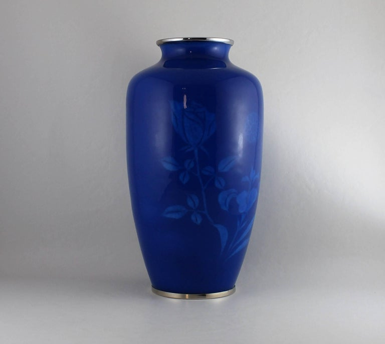 Japanese Wireless Cloisonne Vase In Good Condition For Sale In Hamilton, Ontario