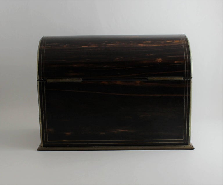 19th Century Wood Stationery Box In Good Condition For Sale In Hamilton, Ontario