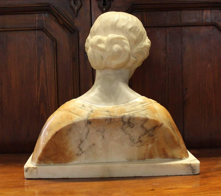 19th Century Italian Alabaster Bust For Sale 2