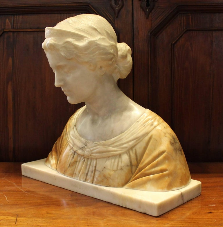 19th Century Italian Alabaster Bust In Good Condition For Sale In Hamilton, Ontario