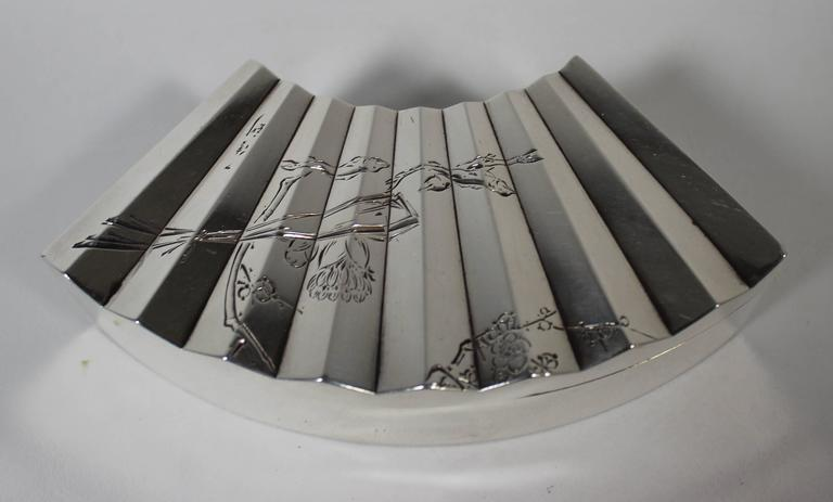 Japanese Sterling Silver Jewelry or Trinket Box In Good Condition For Sale In Hamilton, Ontario