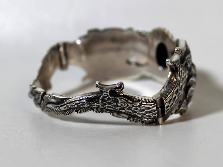 Nepalese Sterling Silver and Onyx Dragon Bracelet In Good Condition For Sale In Hamilton, Ontario