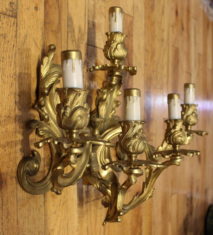 Pair of Louis XVI Style Gilt Bronze Wall Sconces In Good Condition For Sale In Hamilton, Ontario