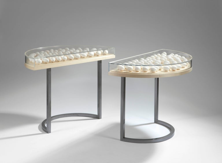 Egg table