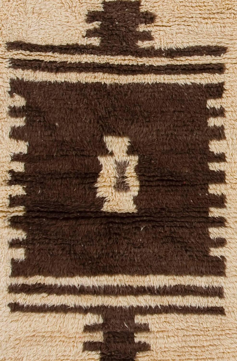 Vintage Quot Tulu Quot Rug In Archaic Design Made Of Natural