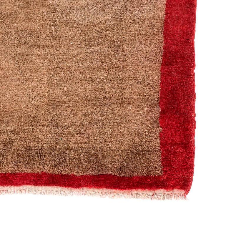 minimalist vintage tulu rug in red and brown wool for sale at 1stdibs. Black Bedroom Furniture Sets. Home Design Ideas