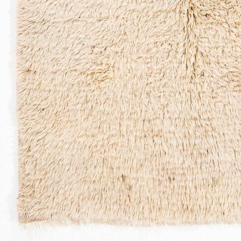 Minimalist Pile Natural Wool Rug