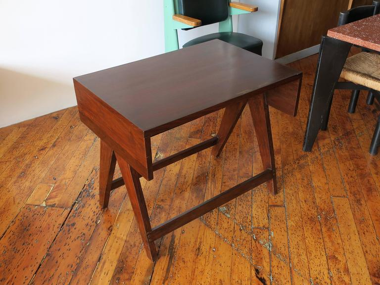 PIERRE JEANNERET Desk from the Administrative Building of Chandigarh In Excellent Condition For Sale In Brooklyn, NY