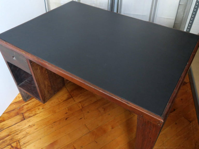Pierre Jeanneret Desk from the Administrative Buildings, Chandigarh In Excellent Condition For Sale In Brooklyn, NY