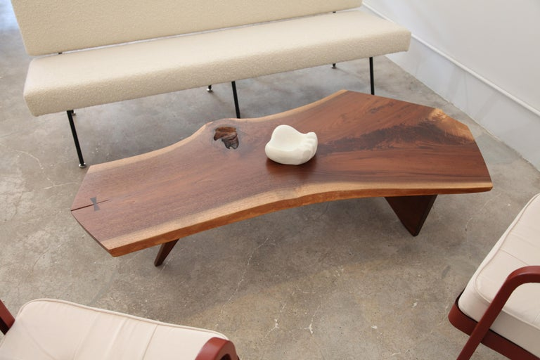Mid-Century Modern George Nakashima, Free-Form Slab Coffee Table, circa 1960 For Sale