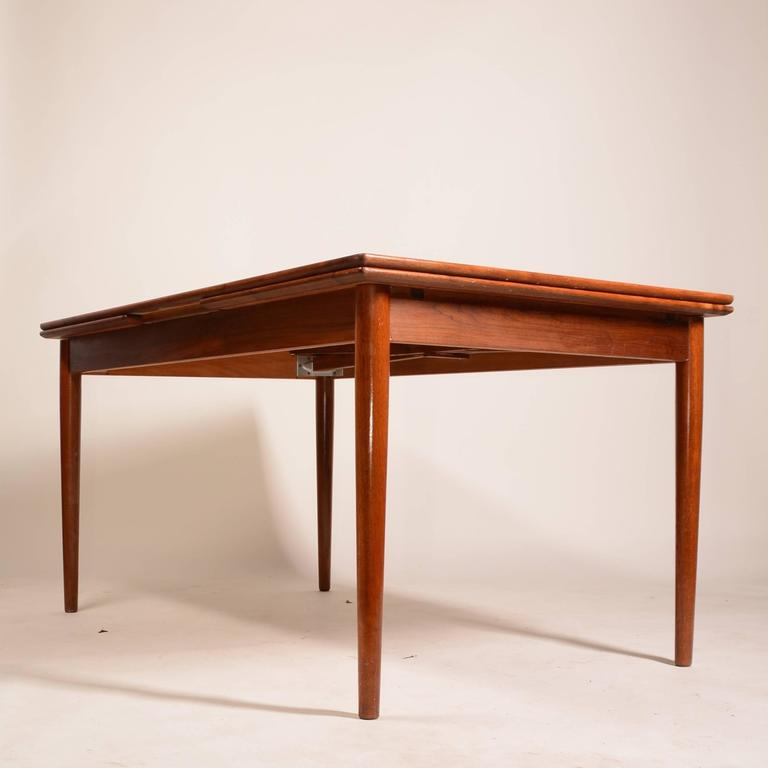 Large Danish Modern Draw Leaf Dining Table In Teak For Sale At Stdibs - Teak dining table with leaf