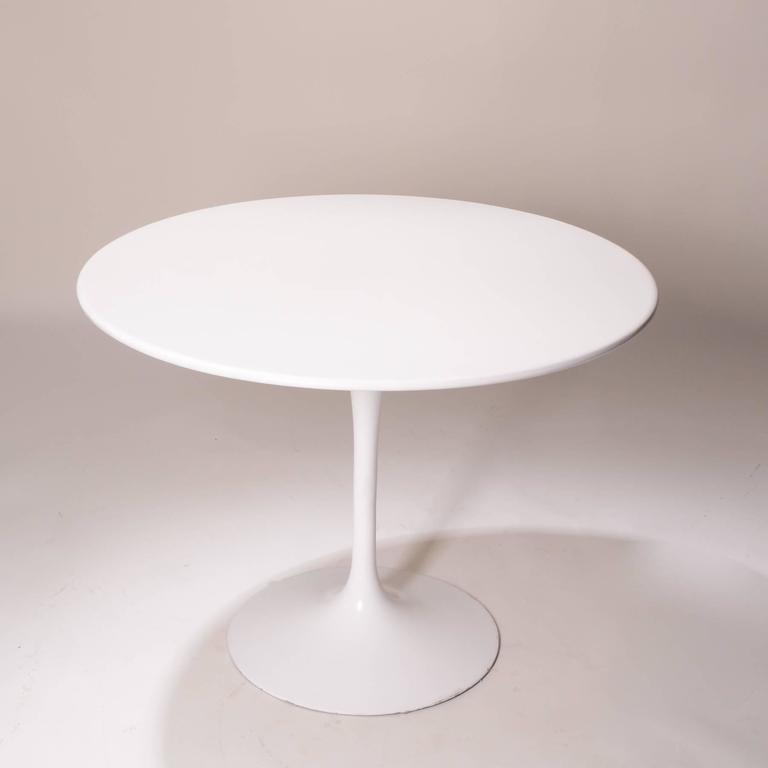 Early production 39 tulip 39 table by eero saarinen for knoll for Knoll and associates
