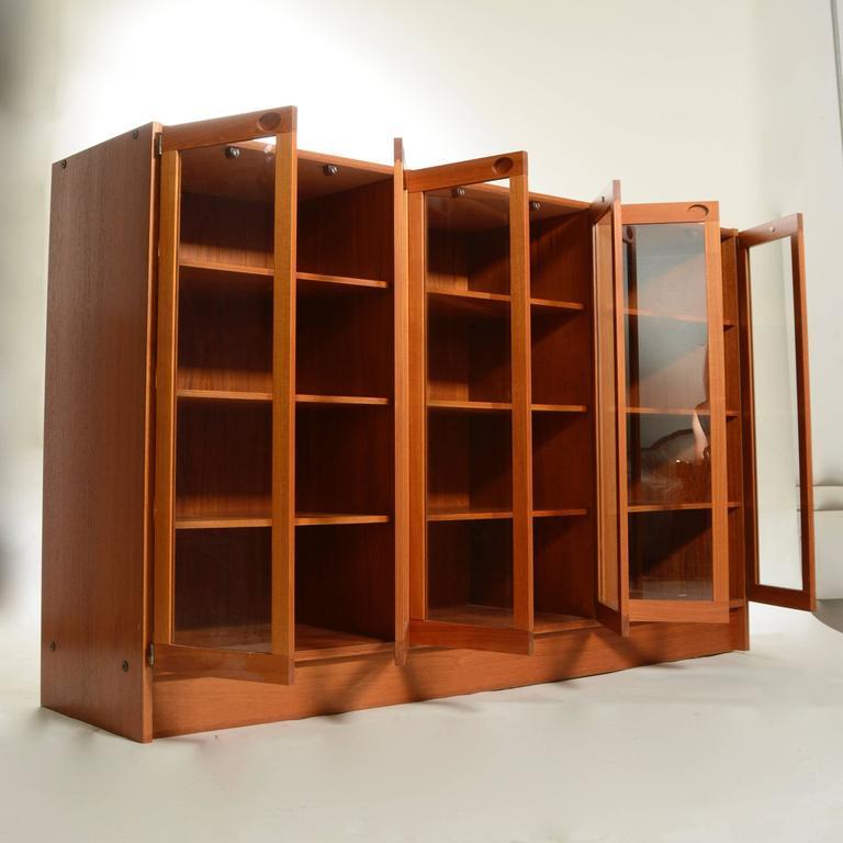 Mid-Century Modern Danish Teak Glass Door Cabinet In Excellent Condition For Sale In Los Angeles, CA