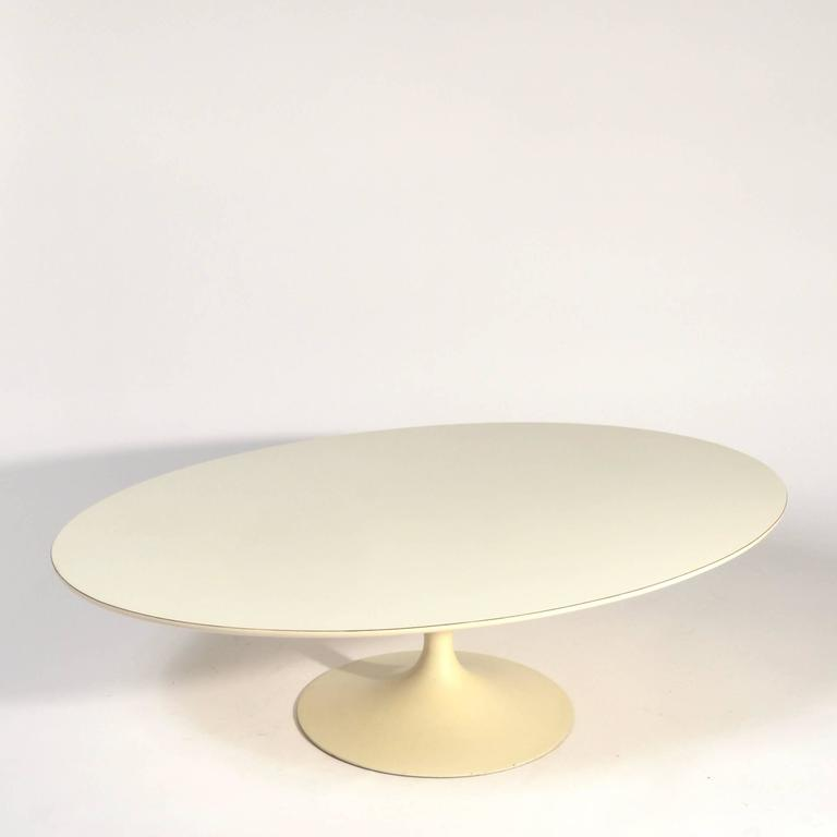 Early Knoll Tulip Base Coffee Table By Eero Saarinen S For Sale - Saarinen table base for sale