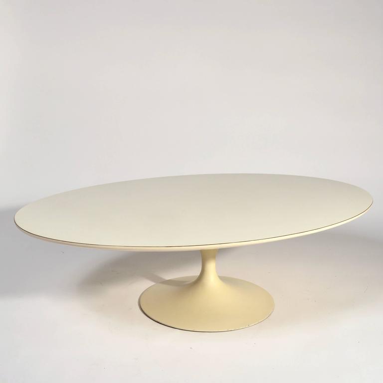 Iron Early Knoll Tulip Base Coffee Table by Eero Saarinen, 1950s For Sale