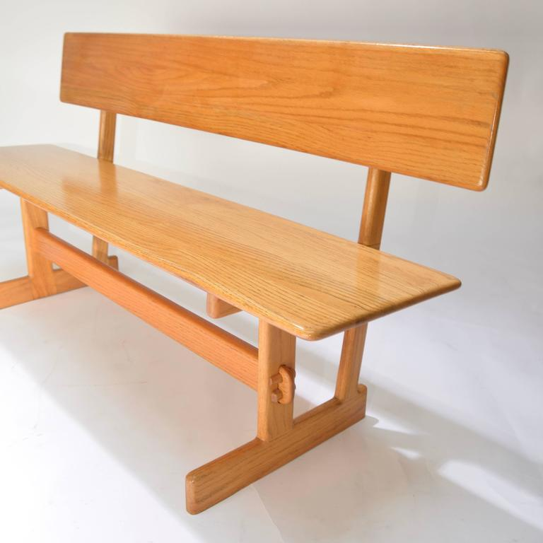 Beau Gerald McCabe Oak Trestle Dining Table And Benches For Orange Crate Modern  For Sale 4