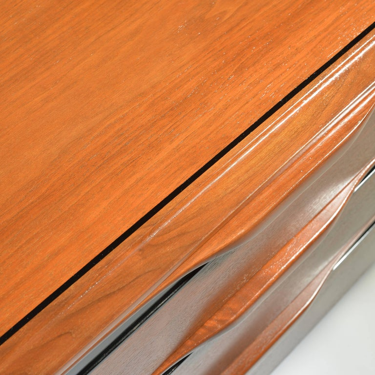 Walnut Three-Drawer Dresser by John Kapel for Glenn of California In Excellent Condition For Sale In Los Angeles, CA