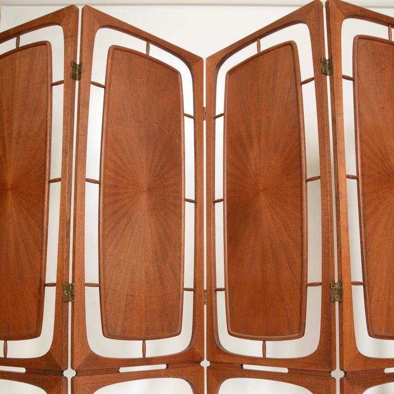 Sculptural Four-Panel Folding Teak Screen Room Divider In Excellent Condition For Sale In Los Angeles, CA