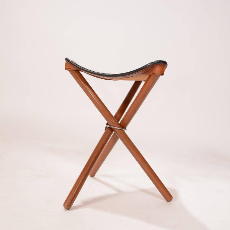 Danish Teak and Leather Folding Tripod Safari Stool 3  sc 1 st  1stDibs & Danish Teak and Leather Folding Tripod Safari Stool For Sale at ... islam-shia.org