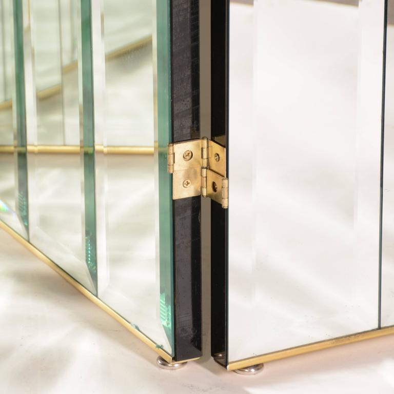 Late 20th Century Henredon Beveled Mirror Room Divider For Sale