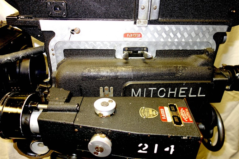Rare Mitchell 35mm Antique Hollywood Feature Cinema Camera Package as Sculpture For Sale 2