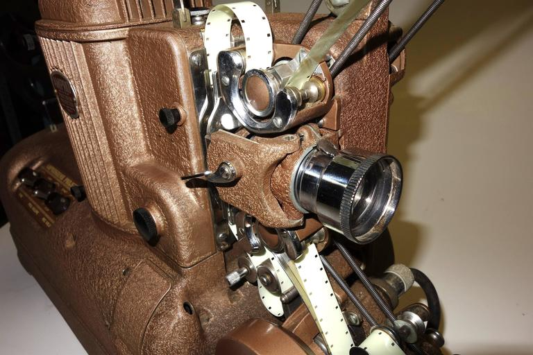 Cinema Projector, Fabulous Sculpture Display Movie Artifact, circa 1940s ON SALE In Excellent Condition For Sale In Dallas, TX