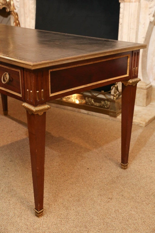 louis xvi style bureau plat early 20th century desk at 1stdibs. Black Bedroom Furniture Sets. Home Design Ideas