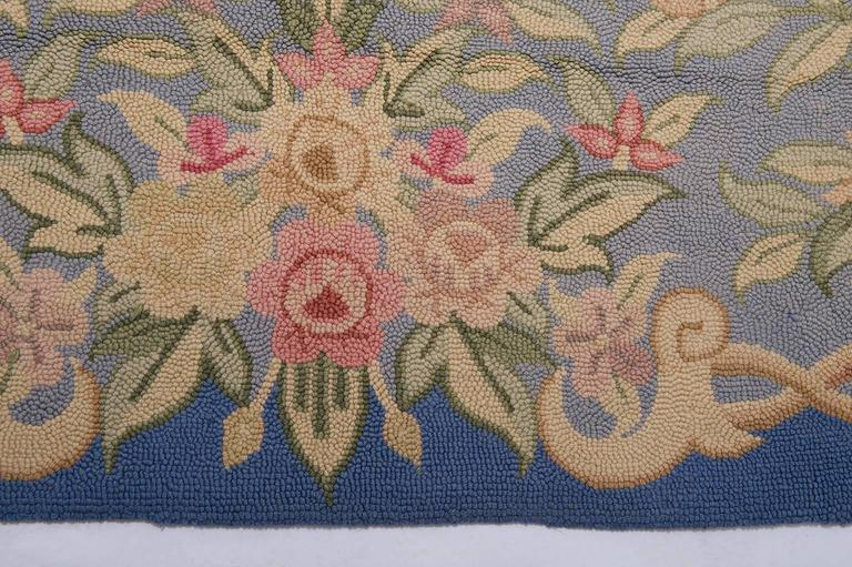Vintage Hooked Carpet in Aubusson Style- FINAL CLEARANCE SALE In Excellent Condition For Sale In Alessandria, Piemonte